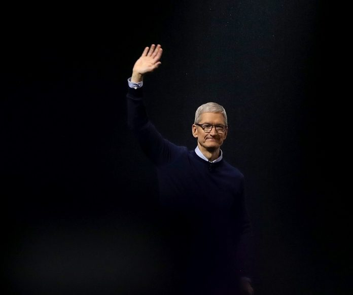 Sí, Apple trabaja en coches autónomos: Tim Cook